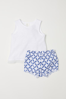 Top en short van tricot