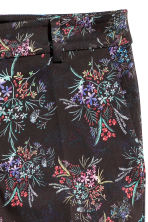 Patterned cigarette trousers - Black/Small floral - Ladies | H&M IE 3