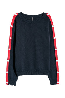 Jumper with press-studs