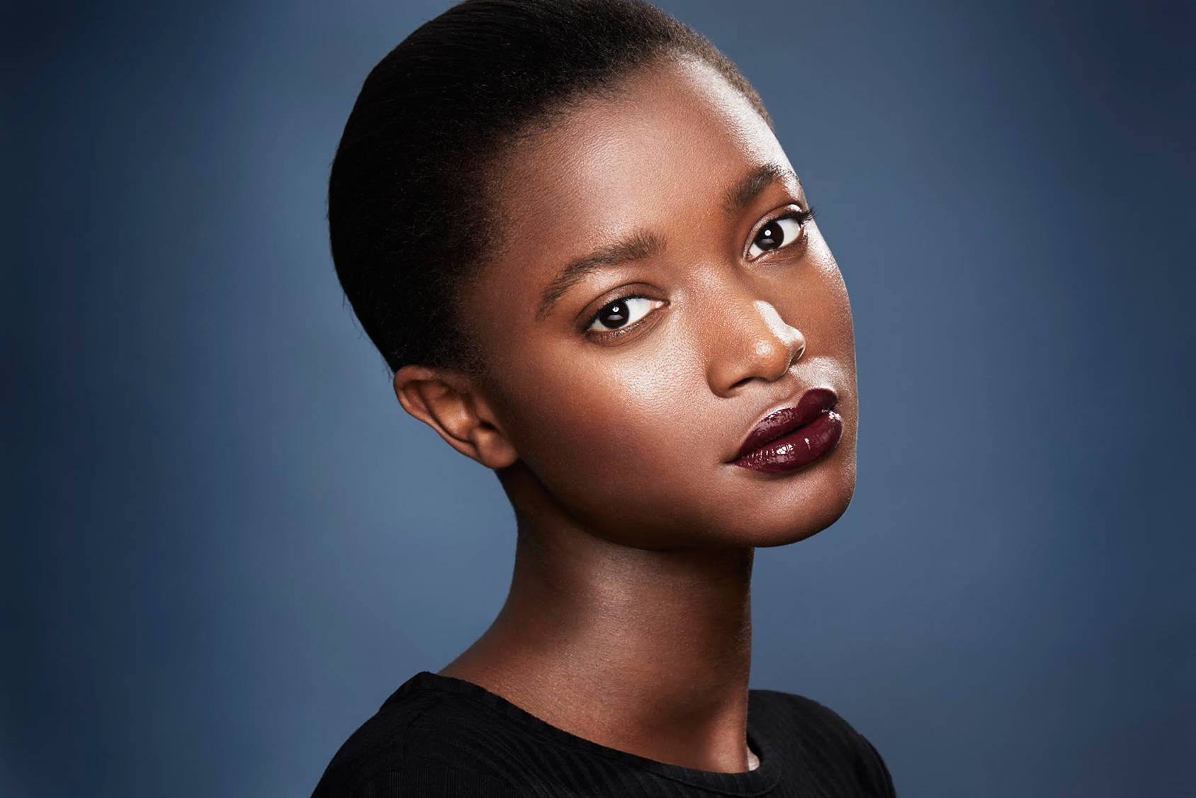 Step-by-step guide to this season's hottest (and gothest!) lip trend