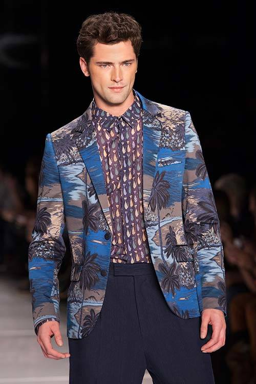 Sean O'pry walks the runway during the Colcci show 2014, Getty Images.