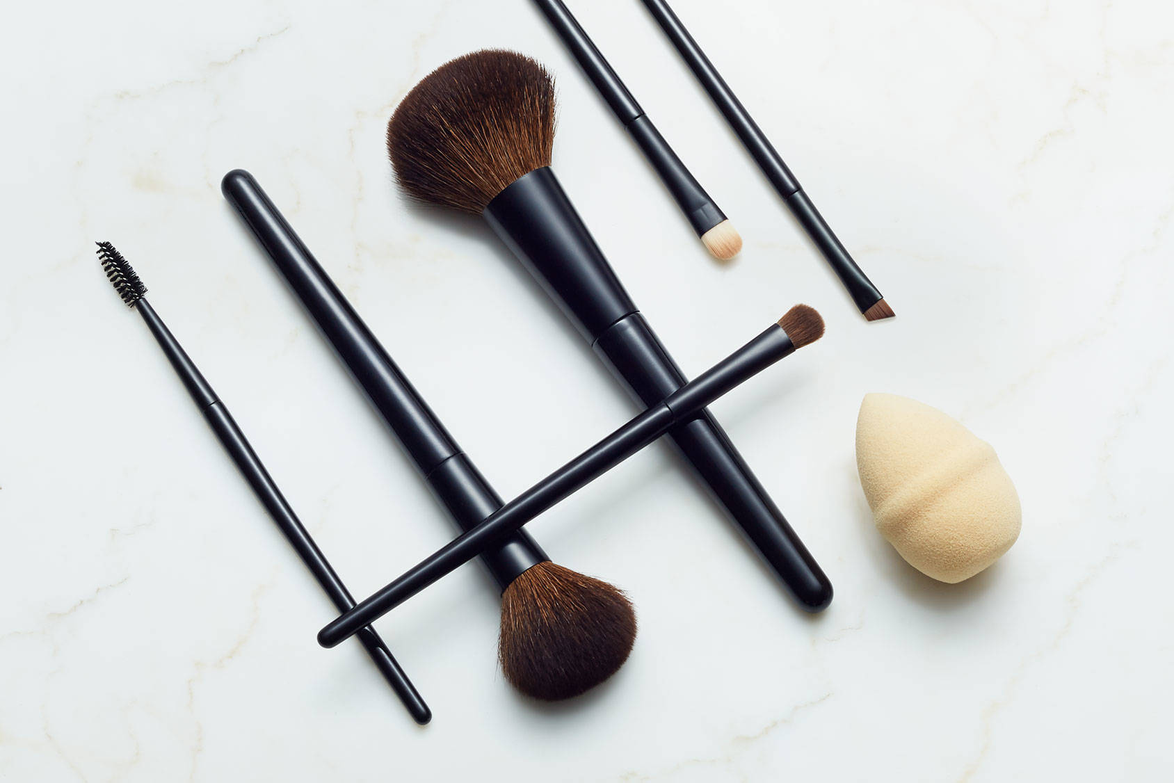 7 essential makeup brushes (and how to use them!)