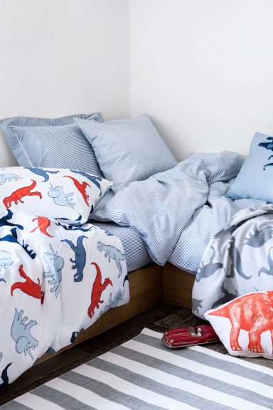 parure housse de couette bleu dinosaures home all h m fr. Black Bedroom Furniture Sets. Home Design Ideas