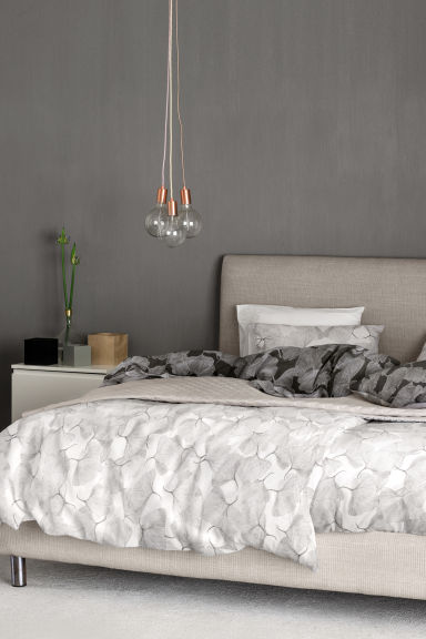 jet de lit matelass gris home all h m fr. Black Bedroom Furniture Sets. Home Design Ideas