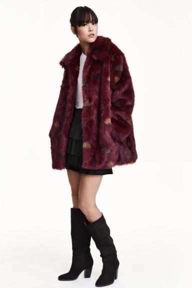 casaco de pelo sint tico bordeaux senhora h m pt. Black Bedroom Furniture Sets. Home Design Ideas