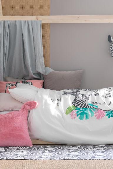 taie d 39 oreiller rose z bre home all h m fr. Black Bedroom Furniture Sets. Home Design Ideas