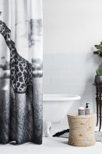 duschvorhang mit fotodruck weiss giraffe home h m ch. Black Bedroom Furniture Sets. Home Design Ideas