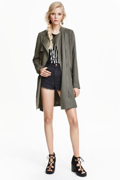trench coat en lyocell vert kaki femme h m fr. Black Bedroom Furniture Sets. Home Design Ideas
