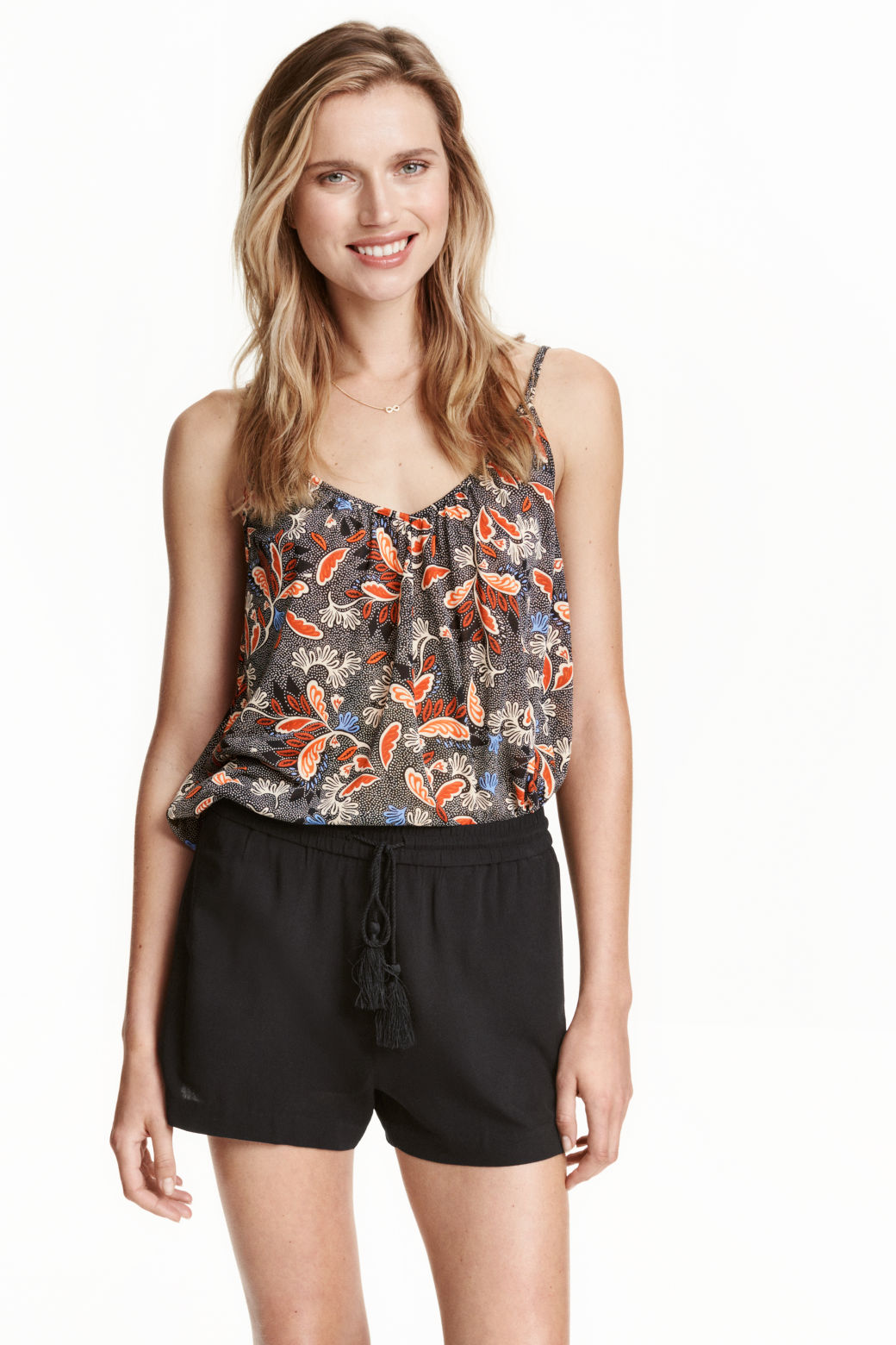 women 39 s tops shop tops for women online h m. Black Bedroom Furniture Sets. Home Design Ideas