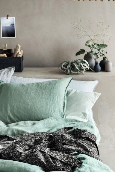 taie d 39 oreiller en lin lav vert ancien home all h m fr. Black Bedroom Furniture Sets. Home Design Ideas