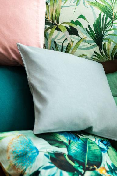 housse de coussin vert menthe fleuri home all h m fr. Black Bedroom Furniture Sets. Home Design Ideas