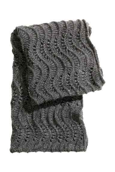 Free Knitting Pattern For Tube Scarf : Pattern-knit tube scarf H&M