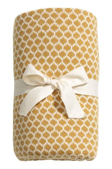 plaid en maille jacquard jaune moutarde h m fr. Black Bedroom Furniture Sets. Home Design Ideas