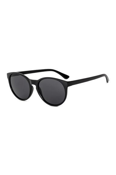 lunettes de soleil noir h m ca. Black Bedroom Furniture Sets. Home Design Ideas