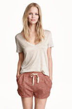 Top con scollo a V - Beige chiaro - DONNA | H&M IT 1