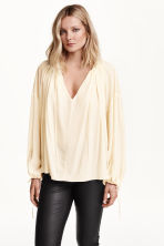 Wide blouse - White - Ladies | H&M CN 1