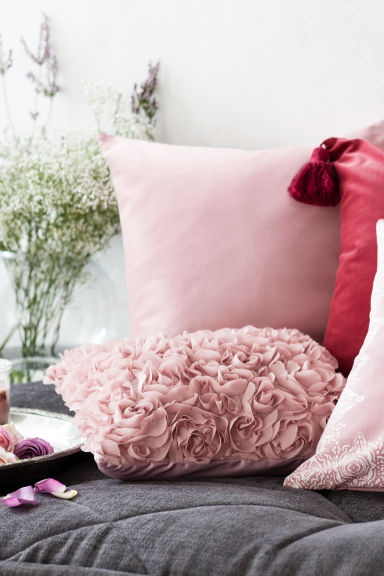 Satin cushion cover - Pink - Home All | H&M GB 1