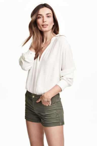 Twill shorts - Khaki green - Ladies | H&M GB