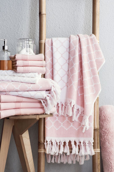 Waffle bath towel - Light pink - Home All | H&M GB 1