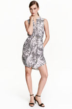 Sleeveless shirt dress - White/Patterned - Ladies | H&M CN 1