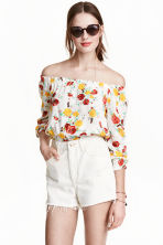 Short off-the-shoulder blouse - Natural white/Floral - Ladies | H&M CN 1