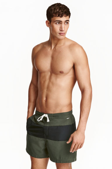 Block-coloured swim shorts Model