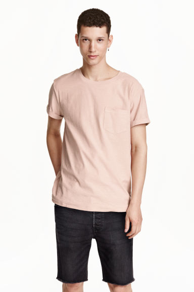 T-shirt with a chest pocket - Powder pink - Men | H&M GB