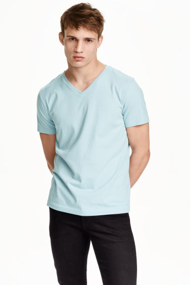 V-neck T-shirt Slim fit - Light blue - Men | H&M CN 1