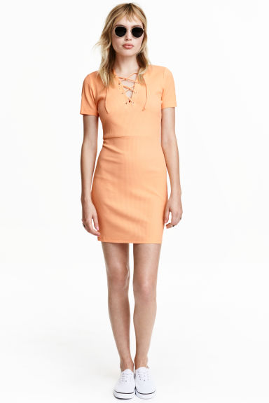 Dress with lacing - Apricot - Ladies | H&M CN 1