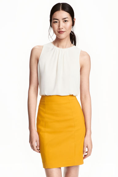 Short pencil skirt - Mustard yellow - Ladies | H&M GB