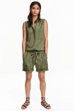 Sleeveless playsuit - Khaki green - Ladies | H&M CN 1