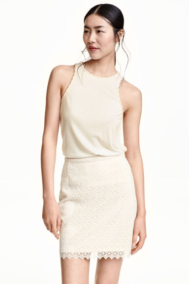 Vest top with a scalloped trim - Natural white - Ladies | H&M CN 1