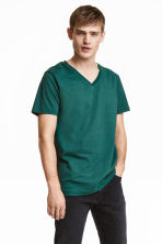V-neck T-shirt - Green - Men | H&M CN 1