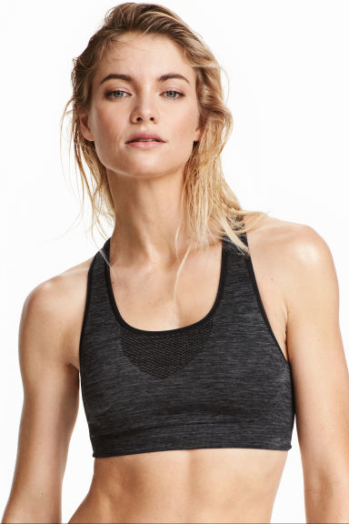 Seamless sports bra Model