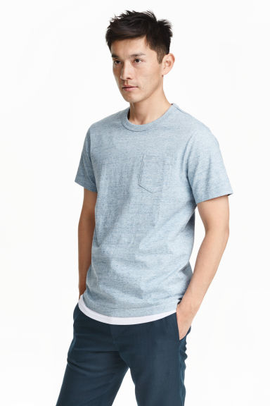 T-shirt with a chest pocket - Light blue marl - Men | H&M CN