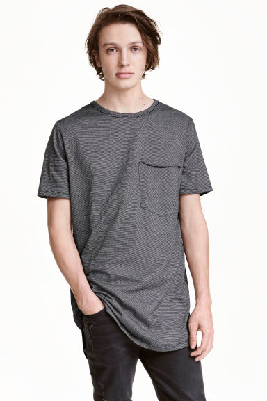 T-shirt with a chest pocket - Black/Striped - Men | H&M CN 1