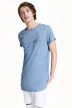 T-shirt with a chest pocket - Blue/Striped - Men | H&M CN 1