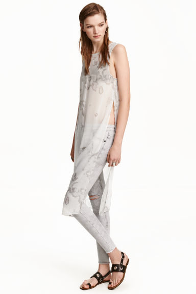 Sleeveless chiffon tunic - Grey-beige/Patterned - Ladies | H&M CN 1