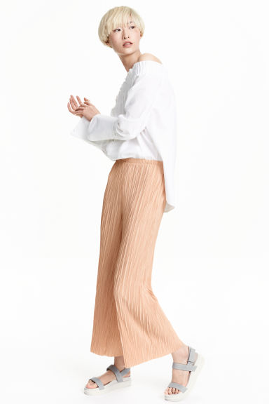 Pleated trousers - Powder beige - Ladies | H&M GB