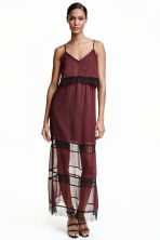Chiffon dress with lace - Burgundy - Ladies | H&M CN 1
