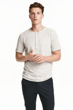 Short-sleeved Henley shirt - Light grey marl - Men | H&M CN 1