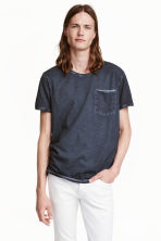 T-shirt with raw edges - Dark blue - Men | H&M CN 1