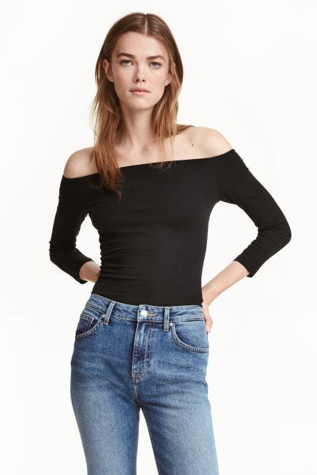 Off-the-shouldertop