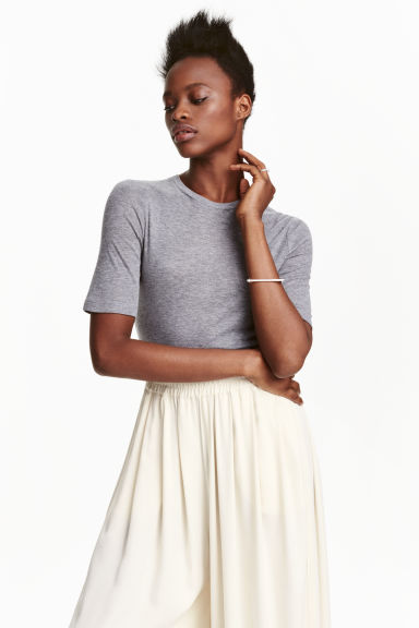 Top in a silk blend - Grey marl - Ladies | H&M CN 1