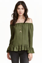 Off-the-shoulder blouse - Khaki green - Ladies | H&M GB 1