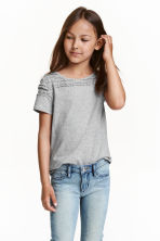 Jersey top with a lace yoke - Grey - Kids | H&M CN 1