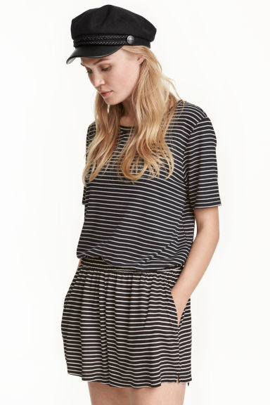Wide shorts - Black/Striped - Ladies | H&M CN 1