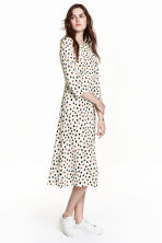 Patterned maxi dress - Nat. white/Spotted - Ladies | H&M CN 1