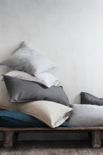 Washed linen pillowcase - Light grey - Home All | H&M IE 3