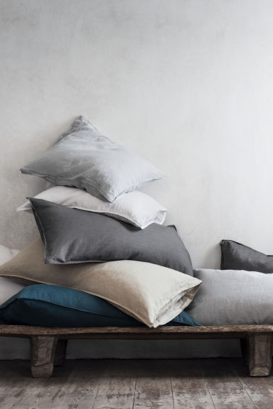 Washed linen pillowcase - White -  | H&M CA 1